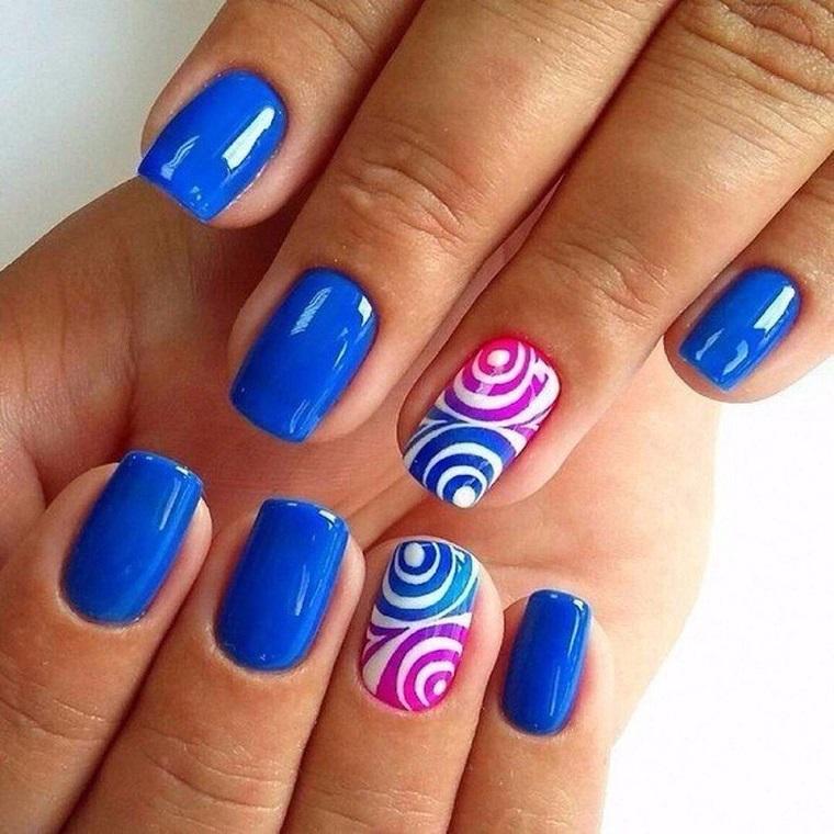 unghie colorate-blu-anulare-decorato