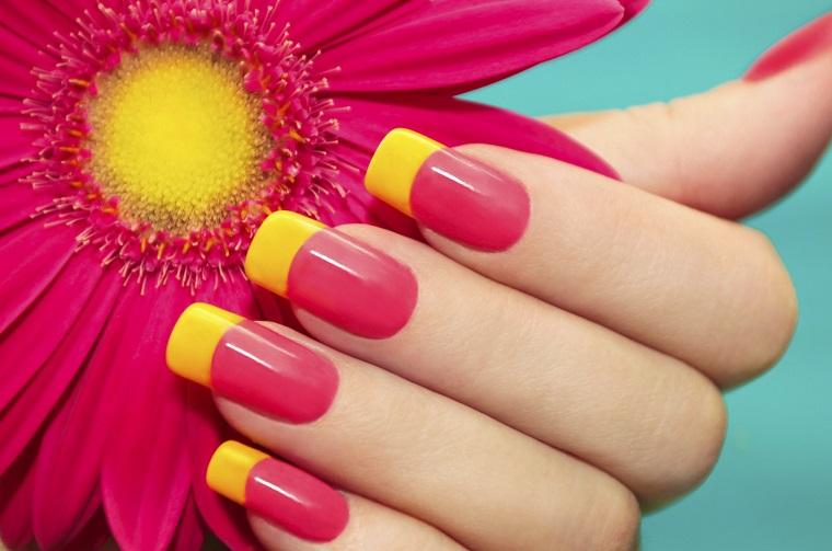 unghie colorate-fucsia-french-gialla