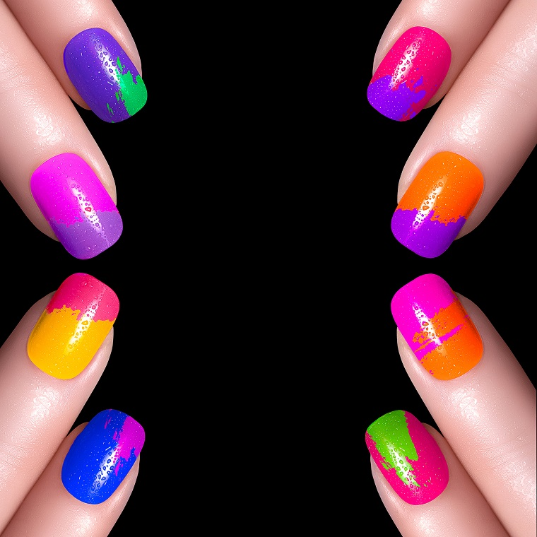 unghie-colorate-idea-toni-accesi-luminosi