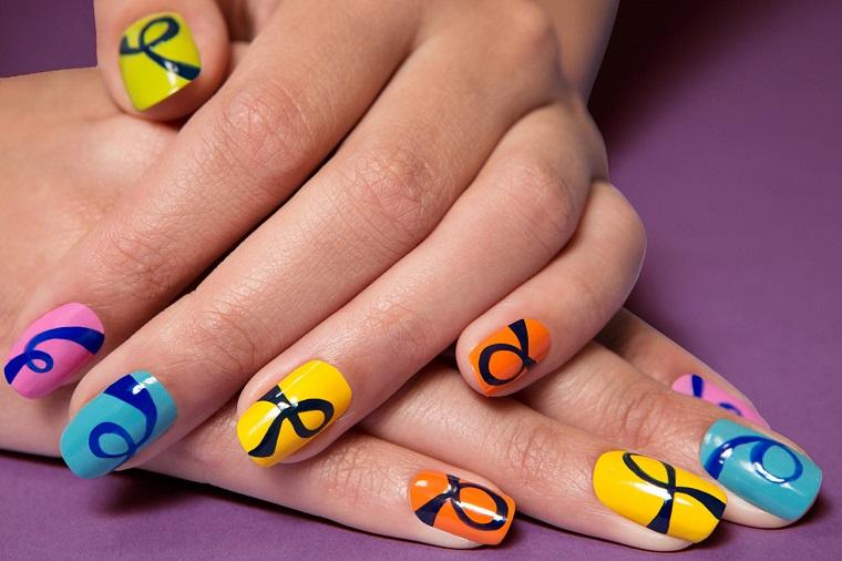 unghie colorate-proposta-fiocchi