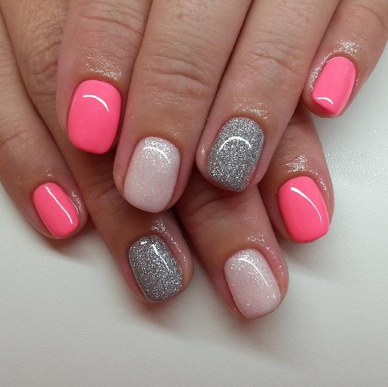 unghie colorate-rosa-perla-argento