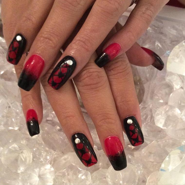 unghie-gel-nail-art-rosso-nero