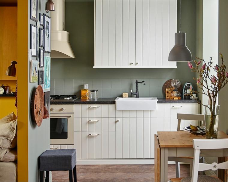 arredare-cucina-mobili-legno-lavandino-vintage-decorazioni-parete-top-colore-nero