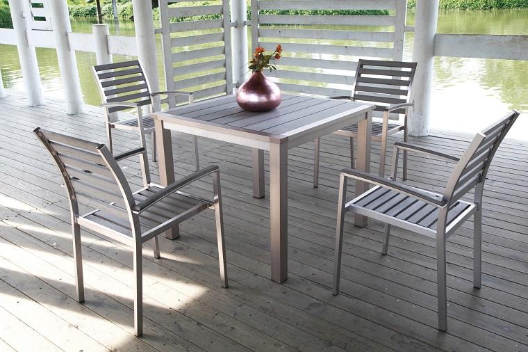 arredare-terrazzo-appartamento-set-alluminio