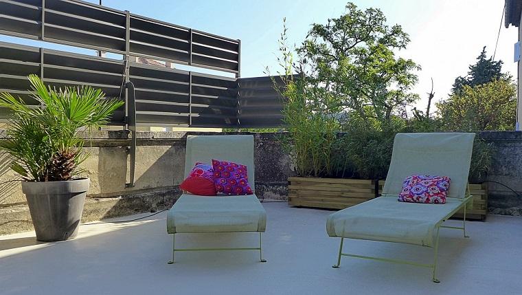 Arredare terrazzo appartamento comfort e design per l for Arredo terrazzo outlet
