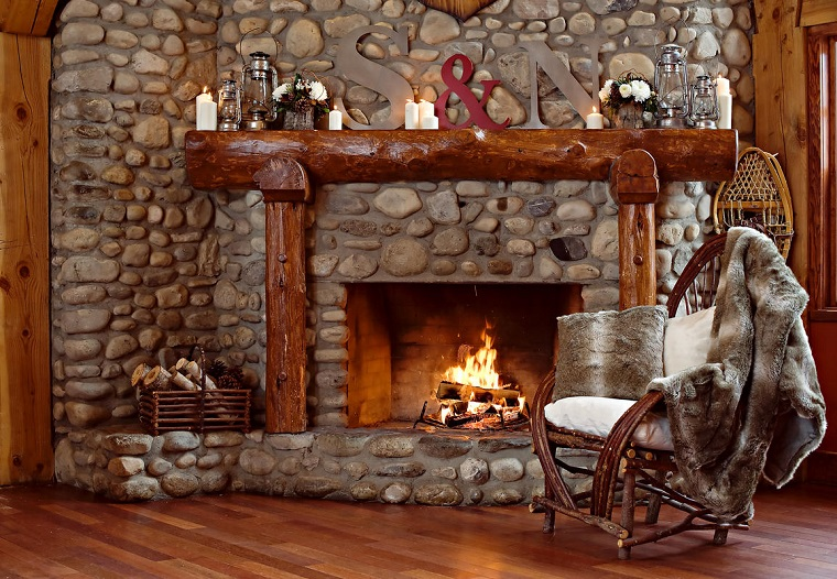 caminetti-rustici-rivestito-pietra-pavimento-legno-decorazioni-stile-personalizzato