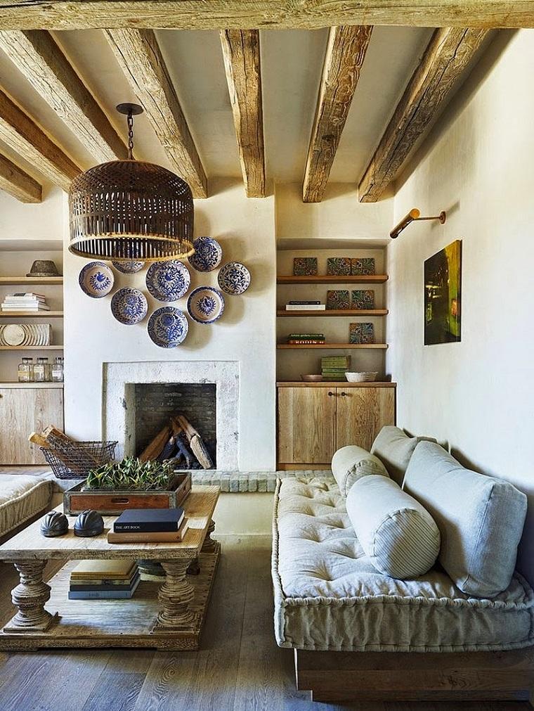 camini-in-murautra-travi-vista-legno-piatti-decorazione-parete-tavolino-rettangolare