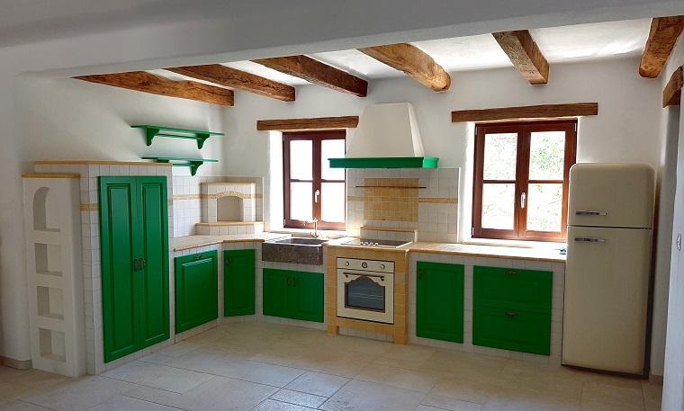 cucina-muratura-idea-ante-verdi