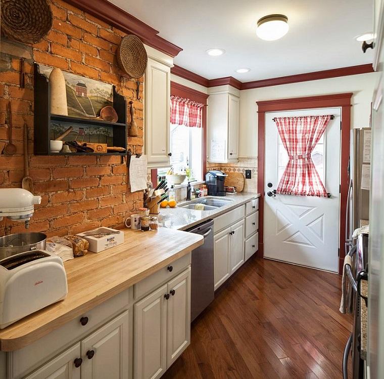 cucina-muratura-parete-mattoni