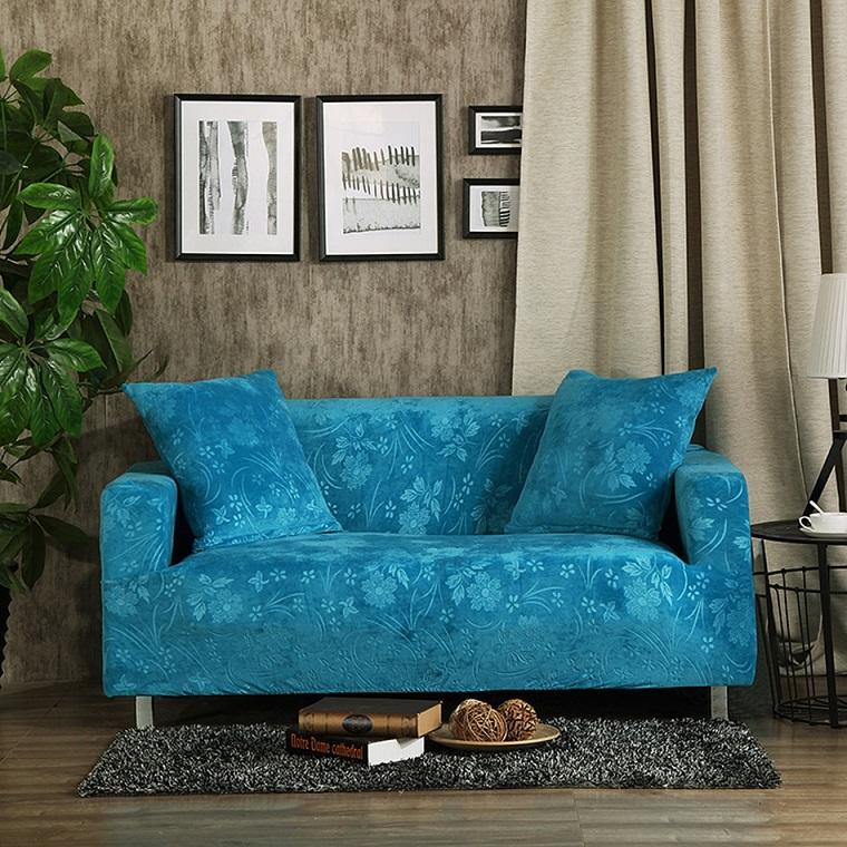 divano-blu-opzione-decorazioni