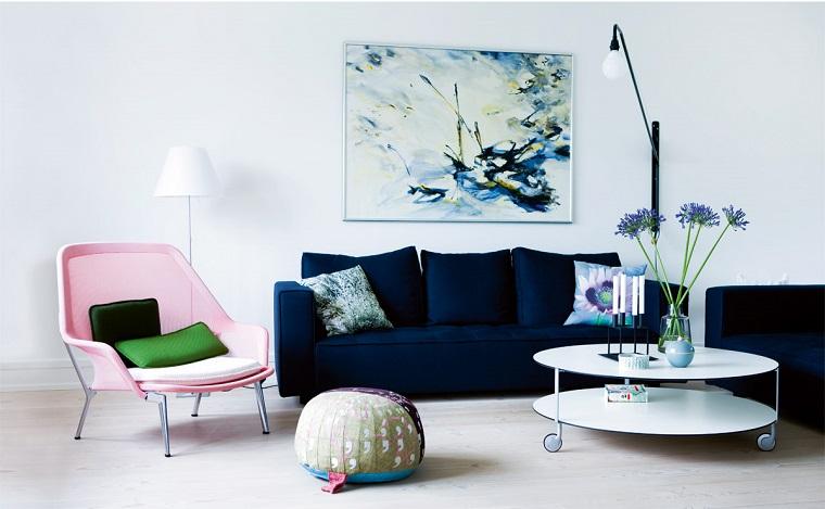 divano-blu-scuro-tre-posti