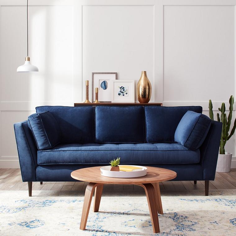 divano-blu-tavolino-legno