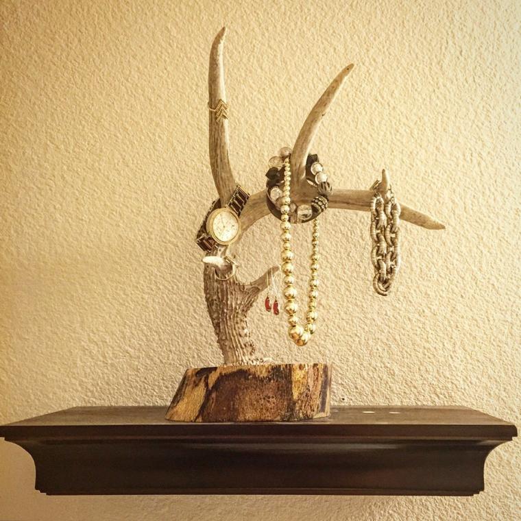 idee-regalo-natale-proposta-design-originale-realizzata-legno-ideale-porta-gioielli