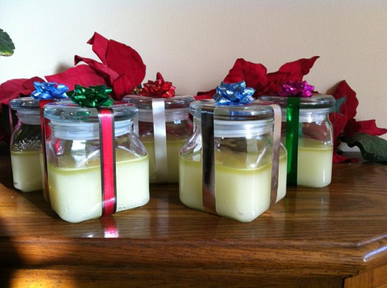 idee-regalo-natale-proposta-fai-da-te-barattoli-vetro-interno-candele-decorati-fiocchi