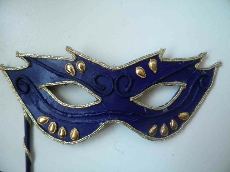 lavoretti-di-carnevale-maschera-realizzabile-fai-da-te-blu-cobalto-decorazioni-oro