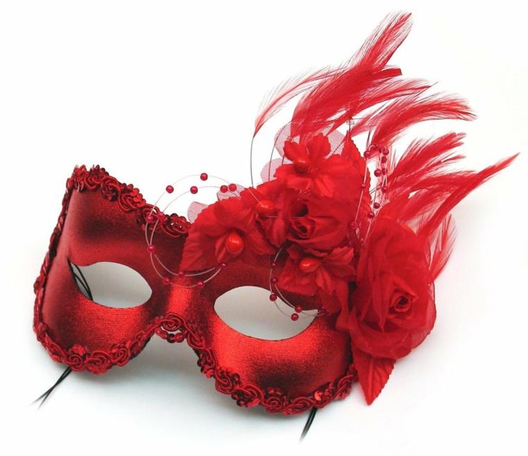 maschere-di-carnevale-classica-mascherina-occhi-color-rosso-decorazione-piume-parte-laterale