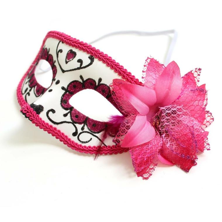 maschere-di-carnevale-idea-tradizionale-mascherina-occhi-interno-bianco-decorazioni-bordi-fucsia-margherita