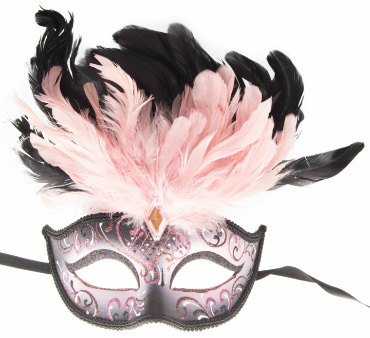 maschere-di-carnevale-mezzo-volto-femminile-nero-interno-rosa-decorazioni-piume-tinta-sopra-fronte