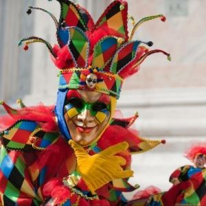Maschere di Carnevale: colori, decorazioni, piume e tante idee anche fai da te!