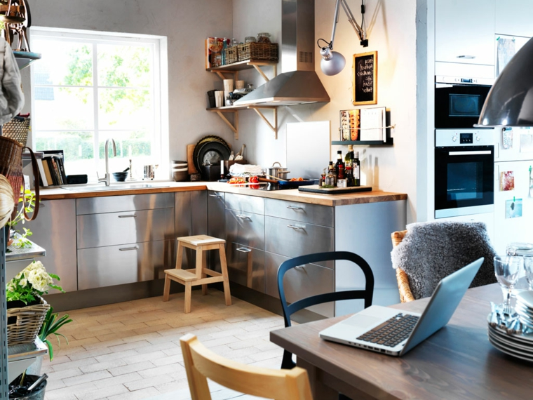 1001 idee per le cucine ikea praticit qualit ed for Idee arredamento soggiorno fai da te