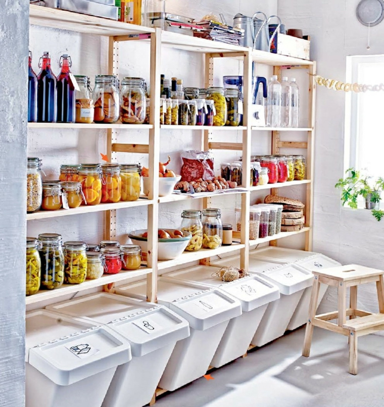 soluzione-storage-cucina-arredamento-mobili-legno-pattumiere-plastica-bianca