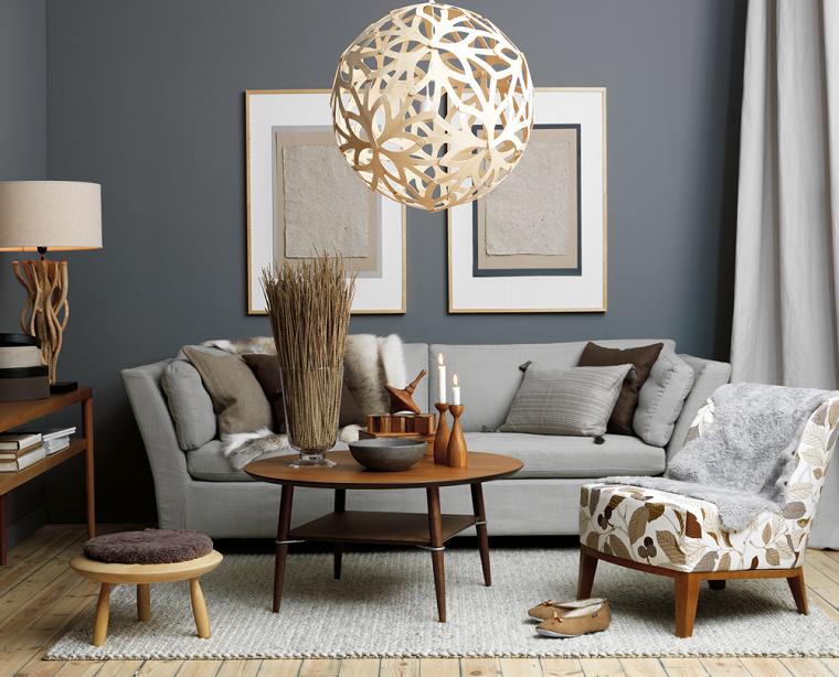 pareti-grigie-elementi-legno