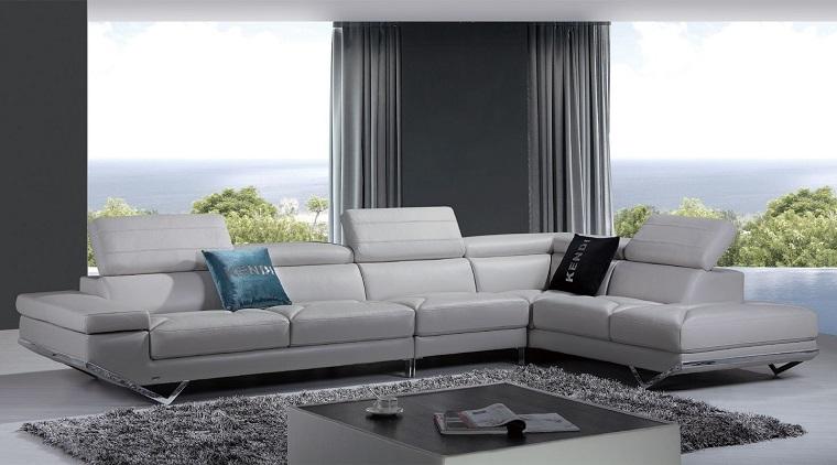 pareti-grigie-salotto-divani-pelle-bianca