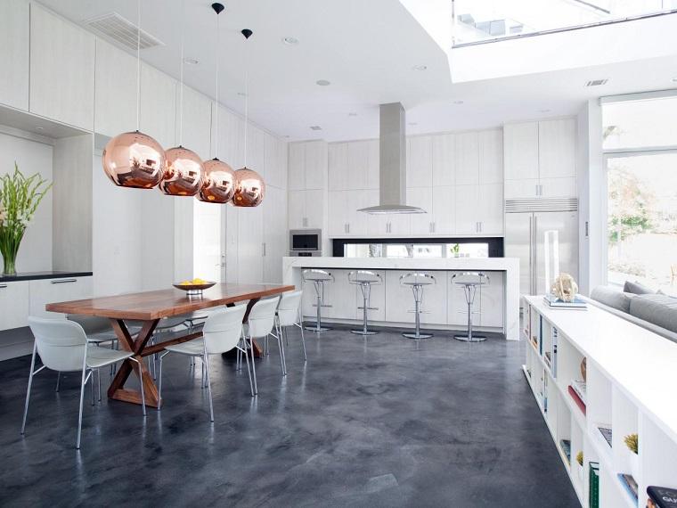 pavimento-grigio-cucina-dimensioni-generose