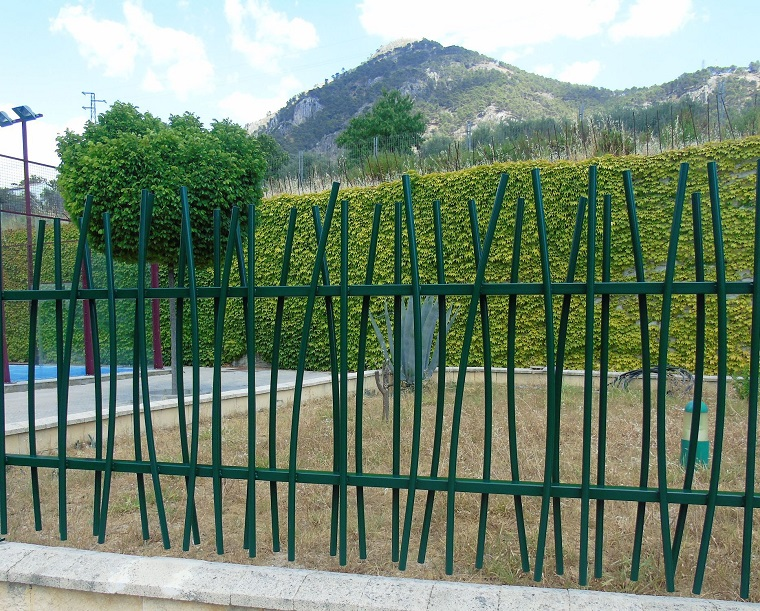 recinzione-giardino-metallo-verde