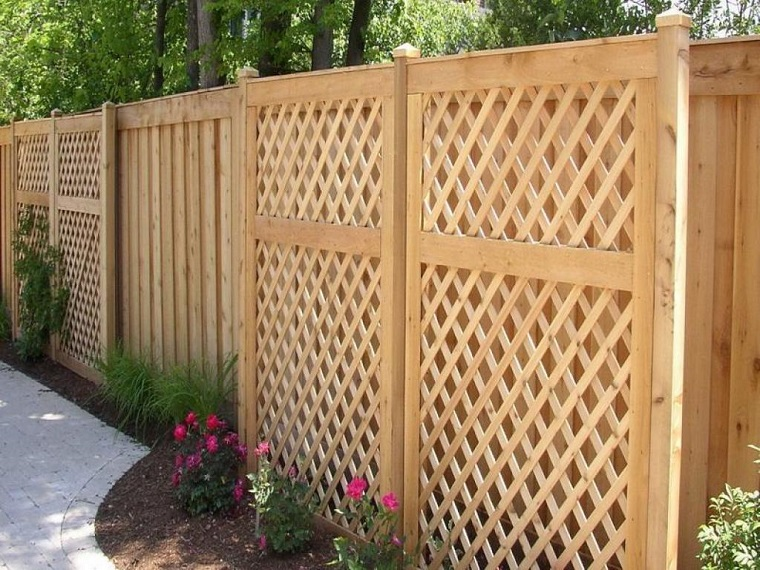 recinzioni giardino-idea-legno-chiaro