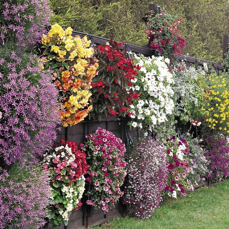 recinzioni-per-giardino-legno-fiori
