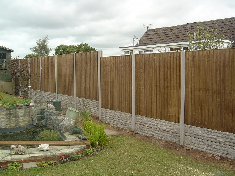 recinzioni giardino 25 idee fra legno metallo e piante ForRecinzioni Giardino Legno