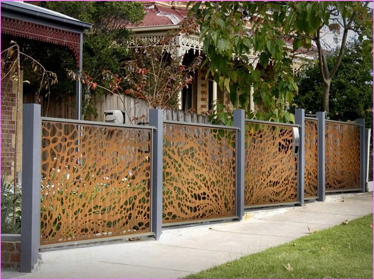 recinzioni-per-giardino-pannelli-metallo-decorati