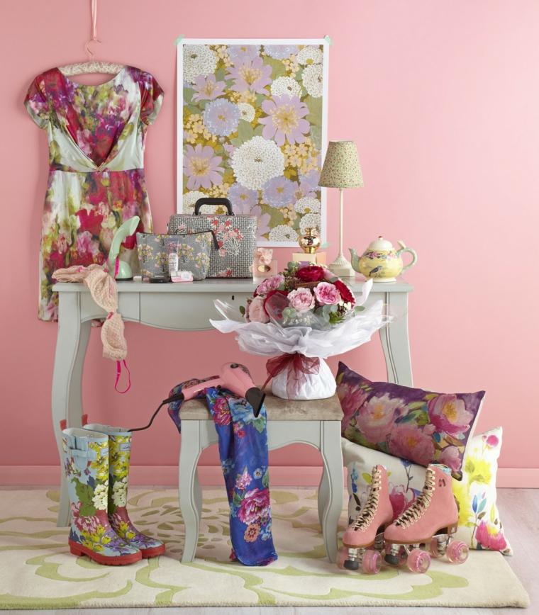 regali-di-natale-per-lei-serie-idee-stile-shabby-chic-motivi-floreali-cuscini-pattini-stivali