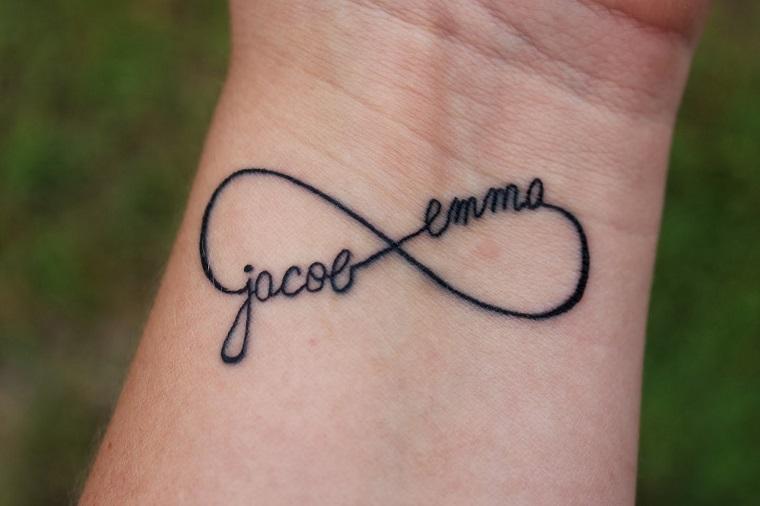 scritte-tatuaggi-nomi-infinito