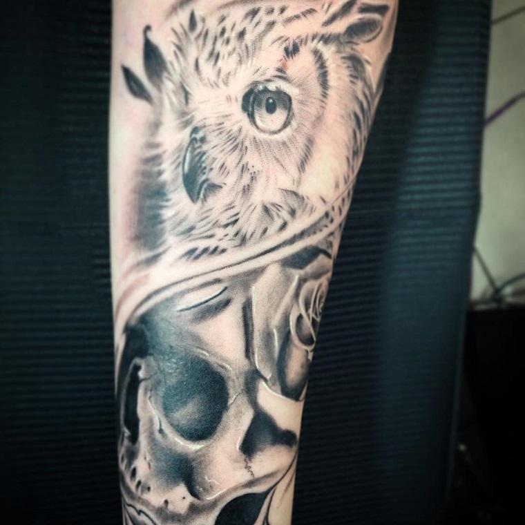 tatuaggi avambraccio-civetta-rose