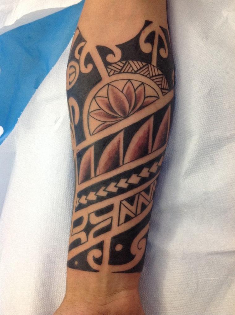 tatuaggi-avambraccio-disegno-maori-semplice