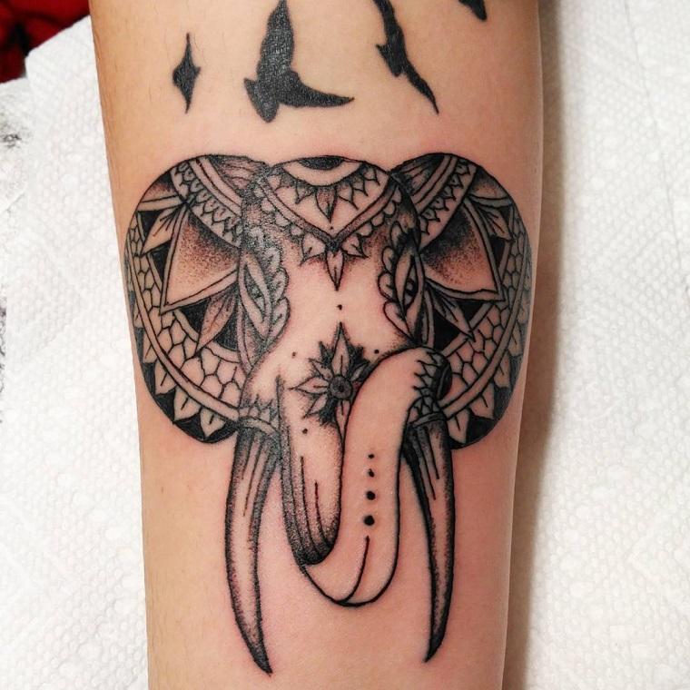 tatuaggi-avambraccio-elefante-uccelli