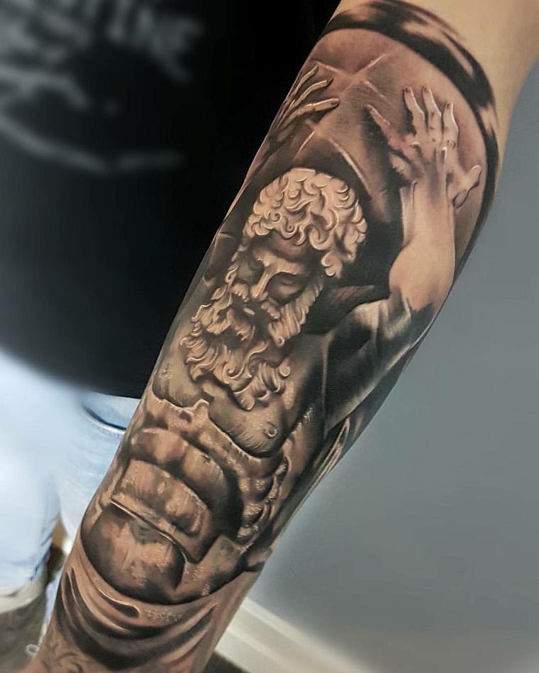 tatuaggi,avambraccio,idea,gladiatore Tatuaggi avambraccio 50 idee  originali per lei e per lui
