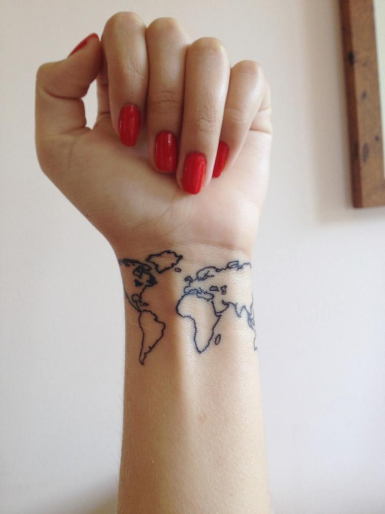 tatuaggi-polso-mondo-disegnato