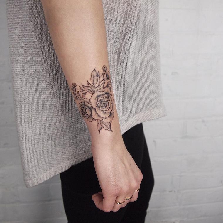 tatuaggi-polso-rosa-bianco-nero