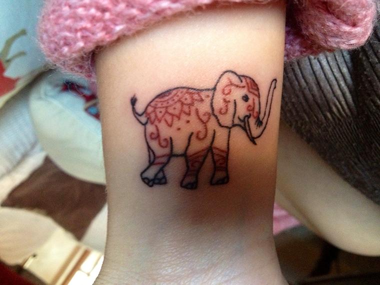 tatuaggi-sul-polso-elefantino