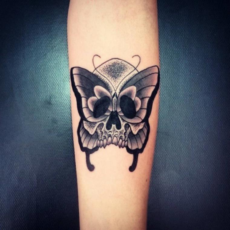 tatuaggio-avambraccio-teschio-farfalla