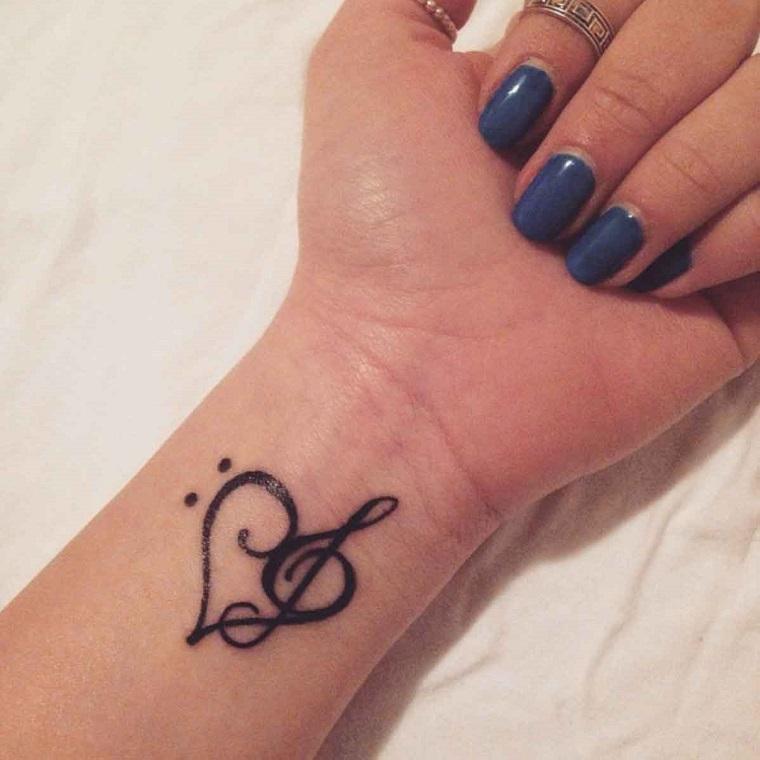 tatuaggio-polso-cuore-chiave-violino