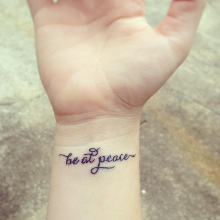 tatuaggio-polso-esempio-scritta