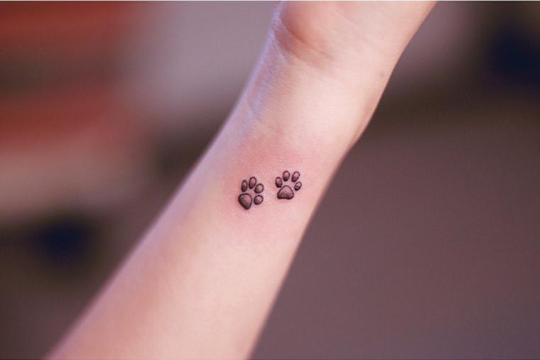 tatuaggio-sul-polso-due-zampine