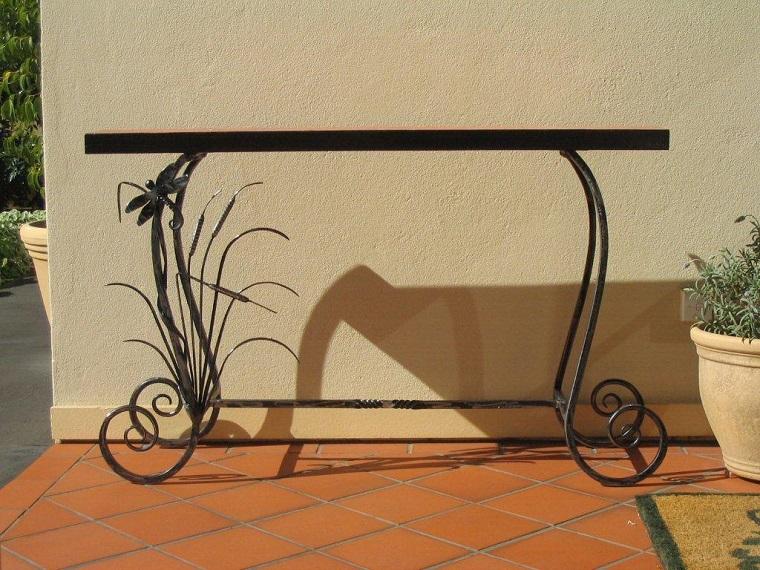 tavolo-ferro-battuto-ingresso-esterno