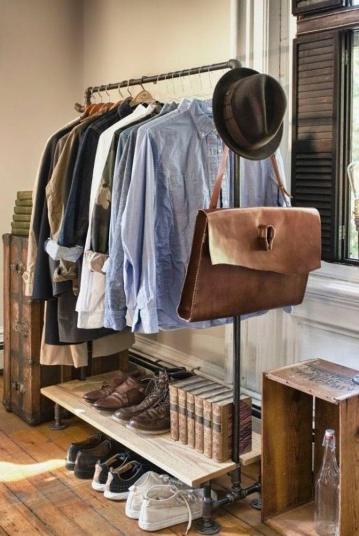 abbigliamento-business-casual-uomo-camicie-cappello-borsa-pelle-scarpe-sneackers-guardaroba-cassetta-legno
