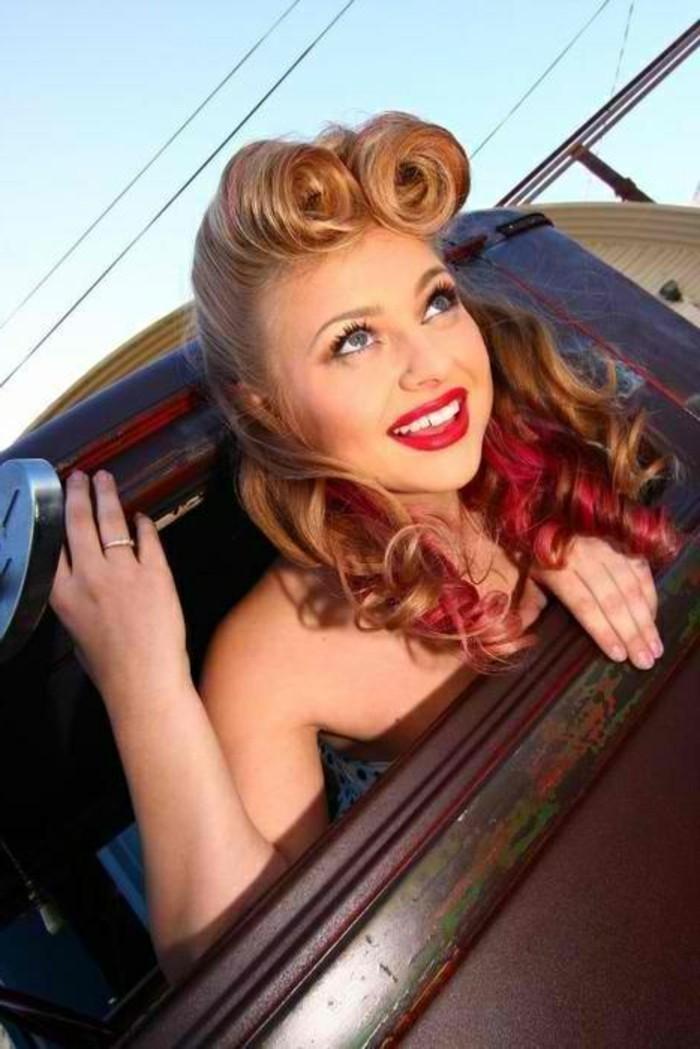 anni-50-acconciatura-look-pompadour-boccoli-colorati-rosso-labbra-rossetto