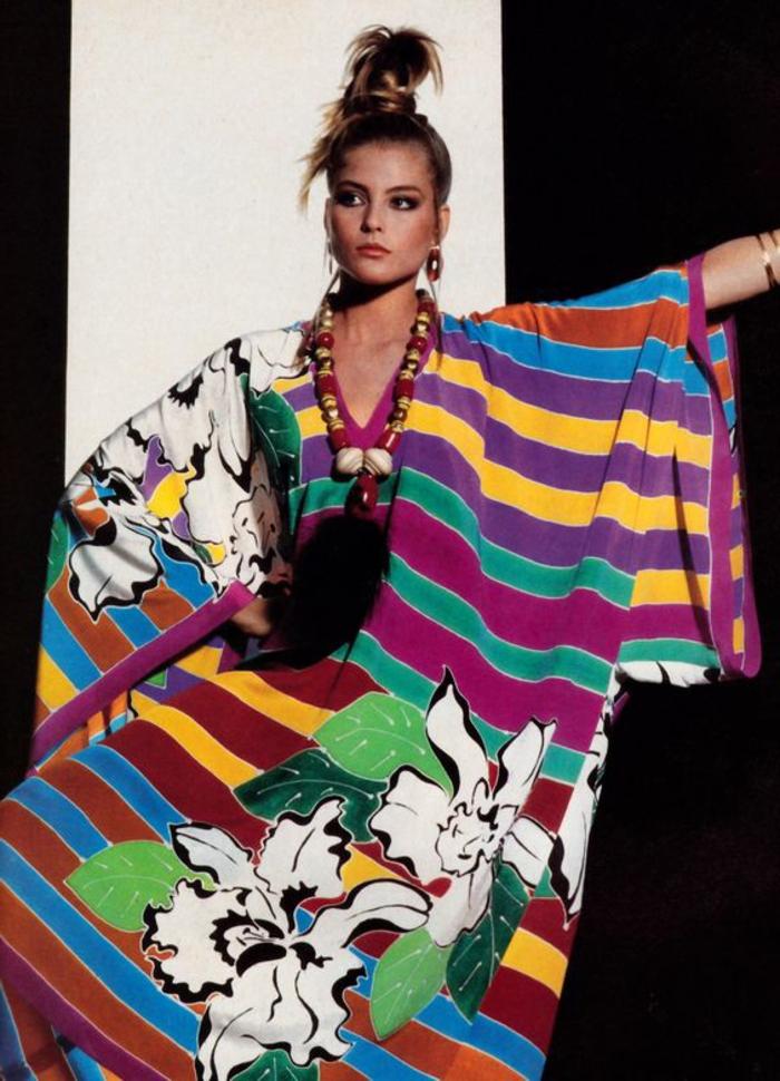 anni-80-abbigliamento-moda-magazine-abito-ampio-righe- c804ac83adf